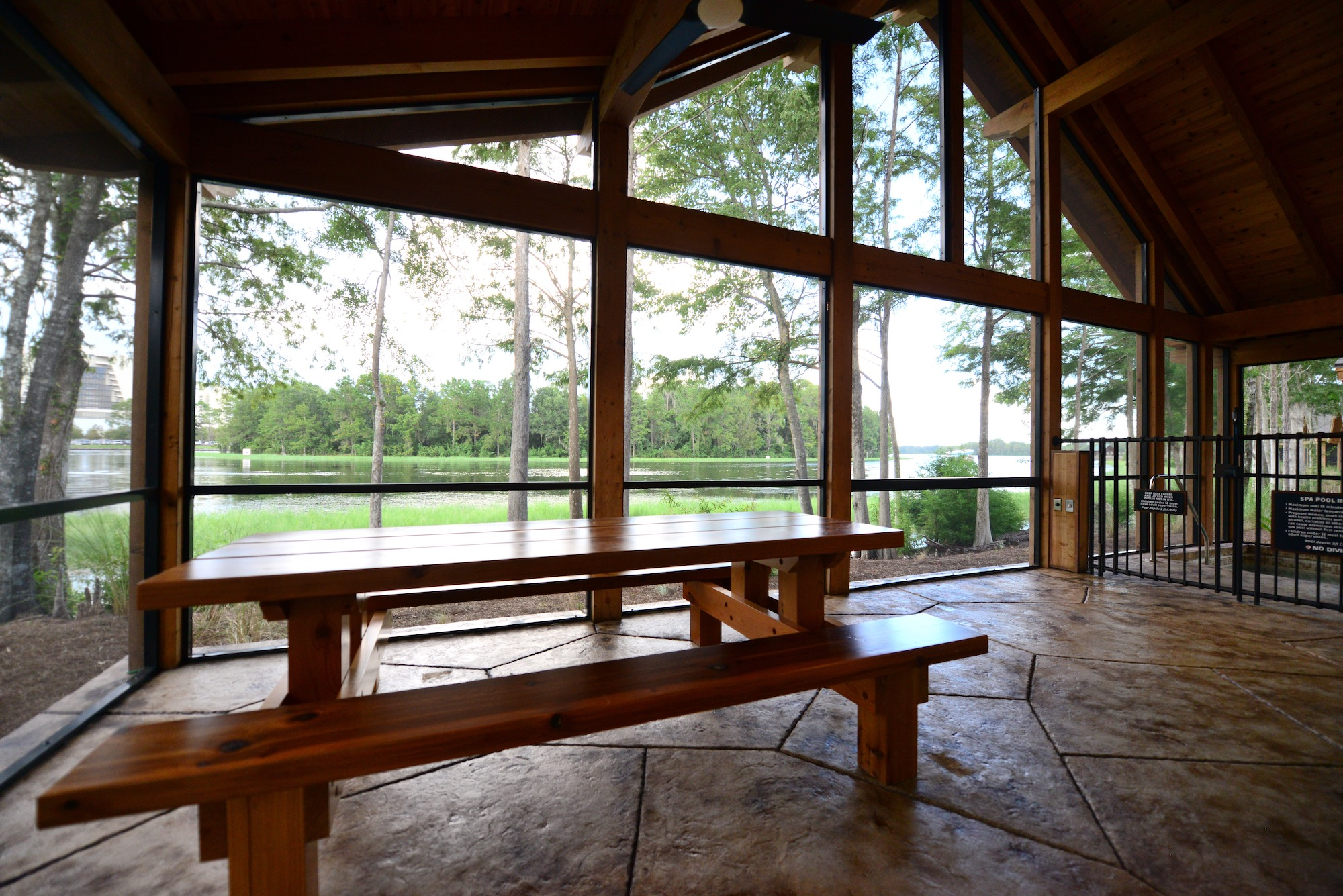 Orl247 cabin patio2
